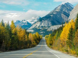 Driving the Icefields Parkway in Canada