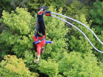 Tandem bungee jumping in New Zealand
