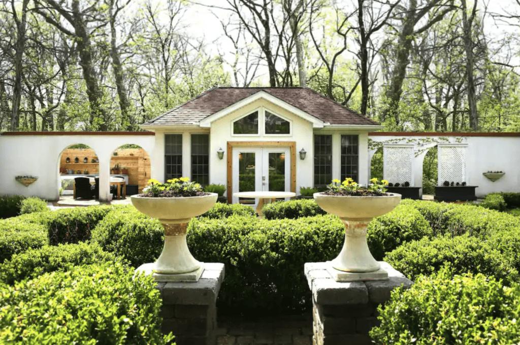 Columbus garden villa